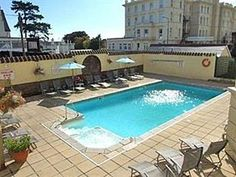 Torquay Cavendish Hotel United Kingdom, Europe Stop at Cavendish Hotel to discover the wonders of Torquay. Both business travelers and tourists can enjoy the hotel's facilities and services. Take advantage of the hotel's free Wi-Fi in all rooms, Wi-Fi in public areas, car park, room service, family room. Guestrooms are fitted with all the amenities you need for a good night's sleep. In some of the rooms, guests can find heating, wake-up service, extra long beds (> 2 meters), t...