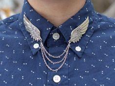 Winged cuff (pins?)