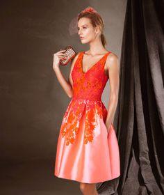 CAPUCINE - Robe courte en mikado et style évasé Pronovias