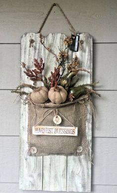 Old Picket Fence Fall Burlap & Pumpkin Floral Arrangement Front Door Decor… - Dekoration - Burlap Projects, Burlap Crafts, Diy Projects To Try, Wood Crafts, Craft Projects, Burlap Fall Decor, Fall Crafts, Halloween Crafts, Holiday Crafts