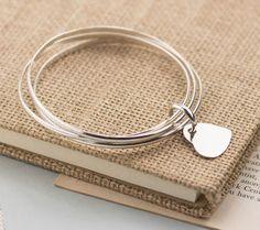 Lắc tay bạc ba với charm trái tim