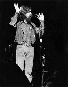 George's way of saying Goodnight and thank you Beatles One, El Rock And Roll, All My Loving, Kinds Of Dance, Like Animals, George Harrison, Dark Horse, John Lennon, Hippie Style