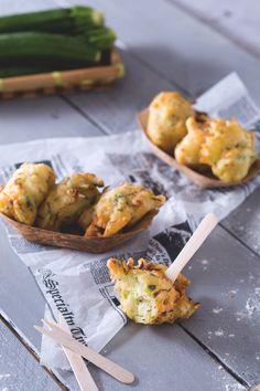 Le #frittelle di #zucchine sono bocconcini saporiti e fragranti, croccanti…