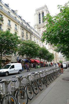 Rent-a-Bikes by Notre Dame,Paris