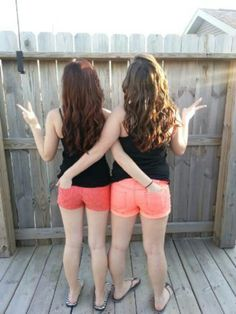 very cute idea!(: me and my bestfriend love this picture of us. All bestfriends must do this!