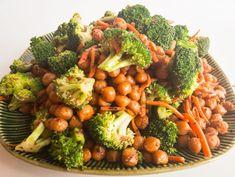 Skinny Vegan Thai Peanut Chickpeas with Broccoli