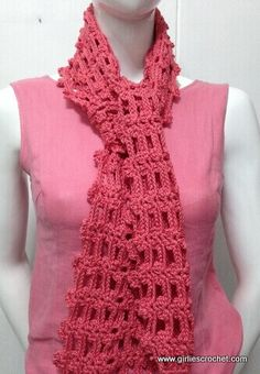 Easy Crochet Patterns This is a free easy crochet scarf pattern with photo tutorial in each step. A great beginners crochet pattern. - This is a free easy crochet scarf pattern with photo tutorial in each step. A great beginners crochet pattern. Crochet Gratis, Knit Or Crochet, Crochet Scarves, Crochet Shawl, Crochet Clothes, Crochet Stitches, Crochet Hooks, Free Crochet, Crotchet