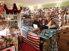 10 Totally Cool Dorm Rooms (dorm room ideas, dorm rooms) - ODDEE