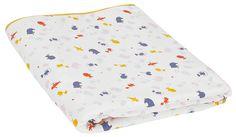 Dit badstof deken vol tuimelende circusdieren is zo handig dat je 't overal kan gebruiken: in bed, in het park, in de auto …