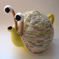 Snail tea cosy made using circular knitting...having a go at making me one of these bad bots. Plenty of blob potential here!