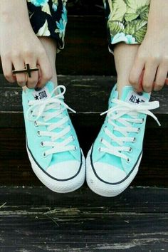 Mint converse. What I'm in LOVE with!! Want them SOOOOOOO badly...