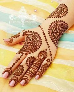 Mehndi henna designs are always searchable by Pakistani women and girls. Women, girls and also kids apply henna on their hands, feet and also on neck to look more gorgeous and traditional. Henna Hand Designs, Dulhan Mehndi Designs, Mehandi Designs, Mehendi, Arte Mehndi, Mehndi Designs Finger, Mehndi Designs Book, Mehndi Designs For Beginners, Modern Mehndi Designs