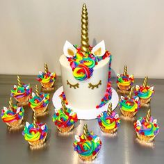 How to Make a Unicorn Birthday Cake Rainbow Unicorn Cake and Cupcakes Bolo Fondant, Bolo Original, Bolo Fack, Rainbow Unicorn Party, Cake Rainbow, Rainbow Birthday Cakes, Rainbow Desserts, Neon Rainbow, Unicorn Themed Birthday