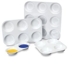 Richeson Plastic Muffin Pans - BLICK art materials  ** Deep Space Sparkle idea - use condiment cups with lids IN the trays for watercolor (or even tempera) **