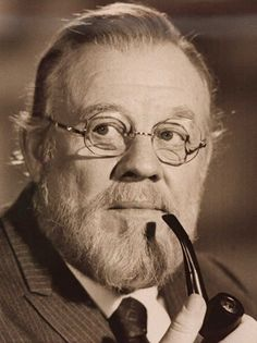 4. Burl Ives -- singer, actor, dear, kind hearted man.  Appeared in several Disney movies or specials. Cat on a Hot Tin Roof, Summer Magic, Long Hot Summer