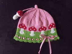 Caps - Örme Toadstool kapak sinek mantarı 3D - örgü bir tasarımcı parçası DaWanda çalışır Baby Patterns, Doll Patterns, Knitting Patterns, Crochet For Kids, Crochet Baby, Knit Crochet, Knitting Socks, Baby Knitting, Crochet Beanie