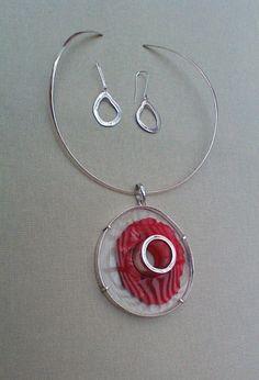 colgante y anillos en base al perfume de Kenzo