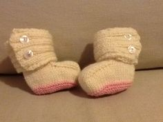 Knitted booties Uggs style with pattern