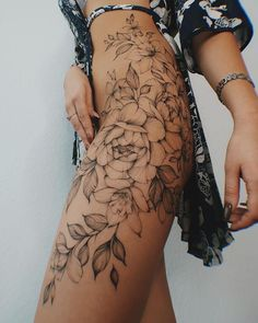 Flower Hip Tattoos, Side Hip Tattoos, Hip Thigh Tattoos, Floral Thigh Tattoos, Tattoos For Women Flowers, Hip Tattoos Women, Side Thigh Tattoos Women, Side Of Thigh Tattoo, Tattoo On Leg