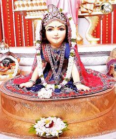 Krishna Lila, Krishna Art, Radhe Krishna, Lord Krishna, Lord Shiva Painting, Krishna Painting, Krishna Flute, Morning Mantra, Radha Rani