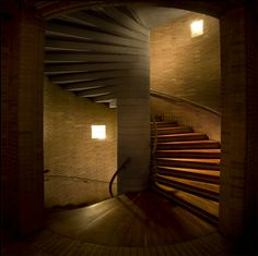Architect Rogelio Salmona from Colombia. Build A Wall, Alvar Aalto, Architectural Features, Red Bricks, Interior Exterior, Terra Cotta, Staircases, Holiday Destinations, Carpenter