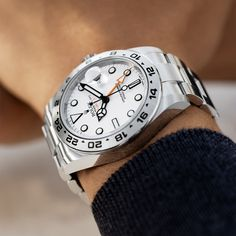 Scaling new heights. The Rolex Explorer II in Oystersteel, 42 mm case, white dial, Oyster bracelet. Fine Watches, Cool Watches, Rolex Watches, Men's Rolex, Sporty Watch, Rolex Explorer Ii, Luxury Watches For Men, Watch Brands, Oysters