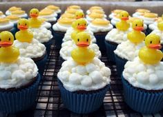 Ducky in bubbles cupcakes for a baby shower #duck #bubble #wedding Repinned by: www.BlueRainbowDesign.com