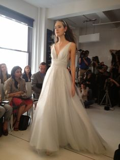hate the setting, love the angel sanchez dress Gorgeous Wedding Dress, Beautiful Gowns, Dream Wedding, Wedding Wishes, Wedding Bells, Bridal Gowns, Wedding Gowns, The Bride, Bridal Fashion Week