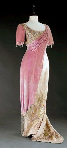 Evening dress - 1908 - Museum of Decorative Arts in Prague - Photo by Kocourek Andrew, Gabriel Urbanek - Art Nouveau | JV