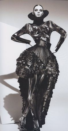 Fashion as Art - dramatic dress with pleats & volume; sculptural fashion // Marko Mitanovski