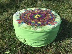 Meditační sedák plněný pohankovými slupkami zelený + dárek Outdoor Furniture, Outdoor Decor, Pilates, Ottoman, Pop Pilates, Yard Furniture, Garden Furniture, Outdoor Furniture Sets, Pilates Workout