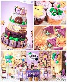 Tangled Rapunzel festa de aniversário temático via idéias do partido de kara! cheio de idéias de decoração, sobremesa, bolo, queques, favores e mais! KarasPartyIdeas.com #tangled (2)