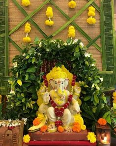 Flower Decoration For Ganpati, Eco Friendly Ganpati Decoration, Ganpati Decoration Design, Housewarming Decorations, Diy Diwali Decorations, Festival Decorations, Flower Decorations, Wedding Decorations, Decor Wedding