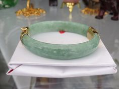 Vintage 14K Solid Yellow Gold Natural Green Jadeite Jade Hinged Bangle Bracelet 56MM by JewelryEmpire14 on Etsy