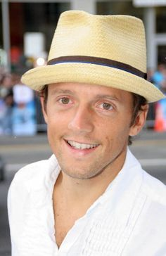 Jason Mraz - Amazing song writer, singer, and pretty good looking too!