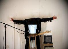 N° 16: Martin Skauen – Slideshow Johnny, Waterproof, 2011-2013, 1:21 min