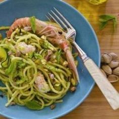 Spaghetti con scampi e zucchine
