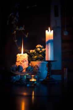 Good Images Birthday Candles dark Suggestions Out of anniversaries for you to birthday celebrations, yearly we obtain together with frie Soul Of Light, Love And Light, Candle Lanterns, Pillar Candles, Romantic Candles, Candle In The Wind, Night Wishes, Flower Images, Light Photography