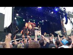 """Bono canta """"Because The Night"""" com Bruce Springsteen. Veja! #Cantor, #Cantora, #Noticias, #Popzone, #Show, #Youtube http://popzone.tv/2016/05/bono-canta-because-the-night-com-bruce-springsteen-veja.html"""