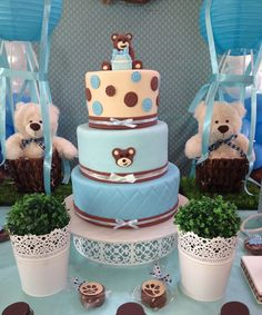 Teddy bear cake.... absolutely love this one