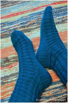 Neuleblogi Knitting Socks, Patterns, Crafts, Fashion, Cast On Knitting, Knit Socks, Block Prints, Moda, Manualidades