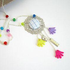 Cadeau ATSEM, maîtresse: sautoir multicolore et argenté thème école, tissu cahier d'écolier, livre, règle, mains : Collier par color-life-bijoux