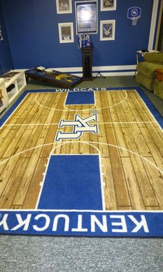 46 Sports Man Caves to be Boss at Game Night - The Handy Guy Creating the perfect Sports Man Cave includes adding modern Work Benches for entertaining. A place where you build the room around the beer and potato chips Kentucky Sports, Kentucky Basketball, Wildcats Basketball, University Of Kentucky, Kentucky Wildcats, Kentucky Colleges, Kentucky Athletics, Cheer Athletics, Basketball Room