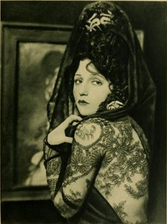 Silent film actress, Bebe Daniels (lace, not a tattoo) Silent Film Stars, Movie Stars, Bebe Daniels, Ziegfeld Girls, Popular Girl, Vintage Hollywood, Classic Hollywood, Hollywood Glamour, Vintage Beauty
