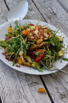 The Recipe Suitcase: Savoury Wednesday: Quinoa Salad with grilled Halloumi Cheese, dried Apricots and pickled Peppers