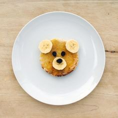 teddy bear toast, but why not teddy bear pancakes? Cute Food, Good Food, Yummy Food, Tostadas, Toddler Meals, Kids Meals, Gula, Sweet Breakfast, Breakfast Plate