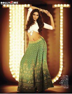 Sonam Kapoor Vogue Magazine October 2012