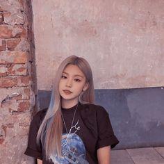 K Pop, South Korean Girls, Korean Girl Groups, Grunge Hair, Kpop Aesthetic, Pop Group, Hair Inspo, Kpop Girls, My Girl