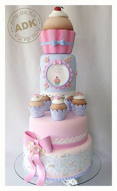 Bolo Patisserie I cupcake cake Gorgeous Cakes, Pretty Cakes, Cute Cakes, Amazing Cakes, Baby Cakes, Fondant Cakes, Cupcake Cakes, Cupcake Tier, Tier Cake