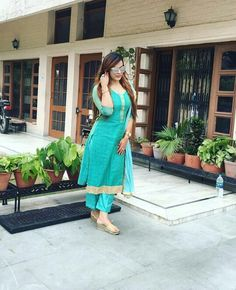 @sardarniii Salwar Dress, Punjabi Salwar Suits, Punjabi Dress, Salwar Kameez, Punjabi Girls, Anarkali, Ethenic Wear, Boutique Suits, Punjabi Fashion